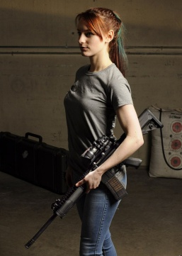 Girls with Guns 004