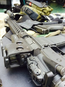 S&W M&P-15 glock 17 eotech 552